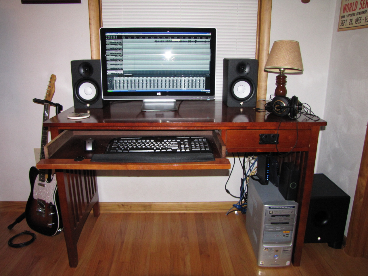 Home Recording Studio Based On Zoom R24